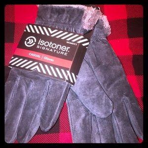 Isotoner  Signature Casual Gloves Suede